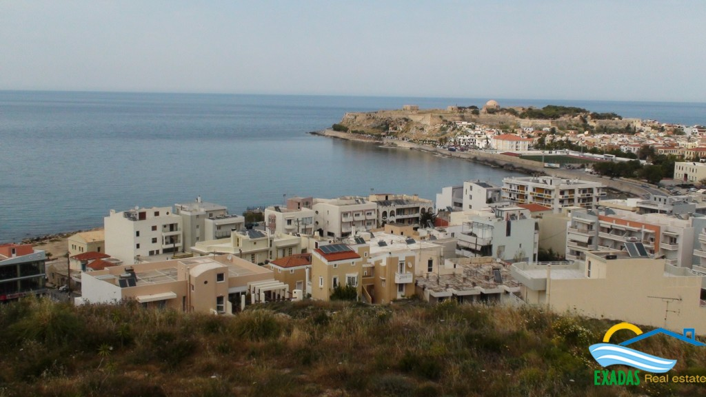 Luxury, city apartment of 140 sq.m offering great unhidden views!