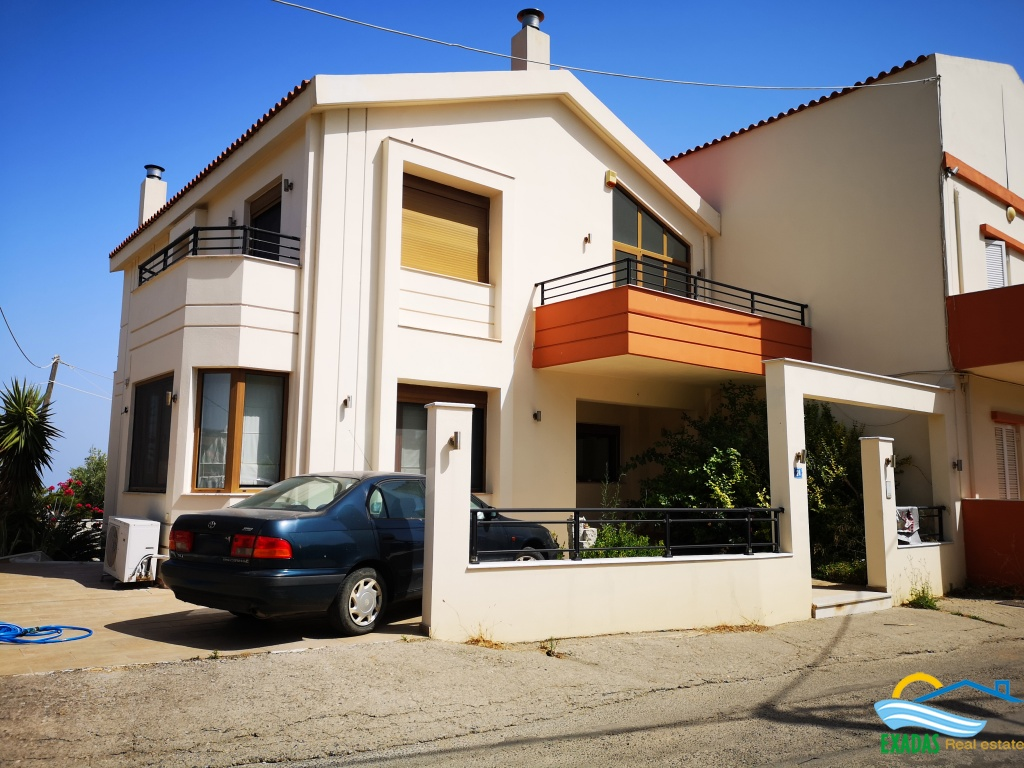 Large house for sale in Gallou area near Rethymno