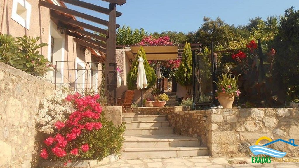 2 bed/rs traditionally restored stone built house in Gonia, near to the city and beach!
