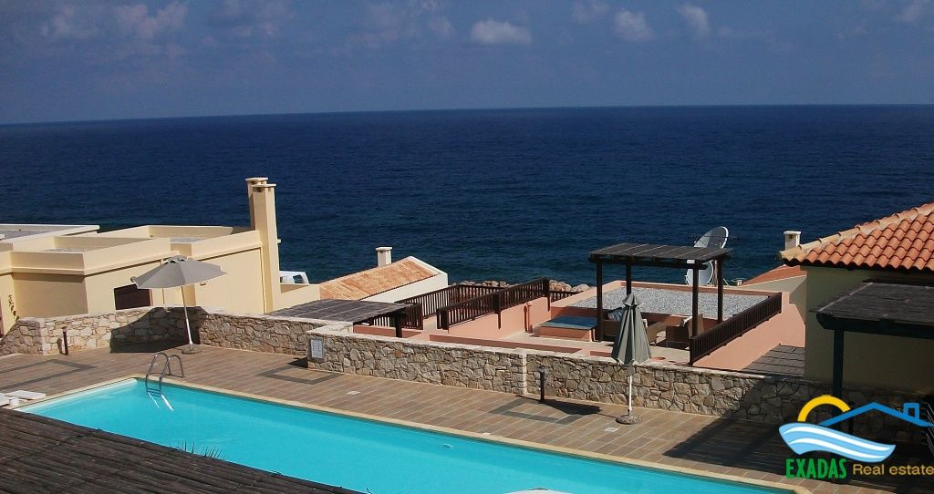 Seafront apartment in Panormo with stunning views located very well on the complex