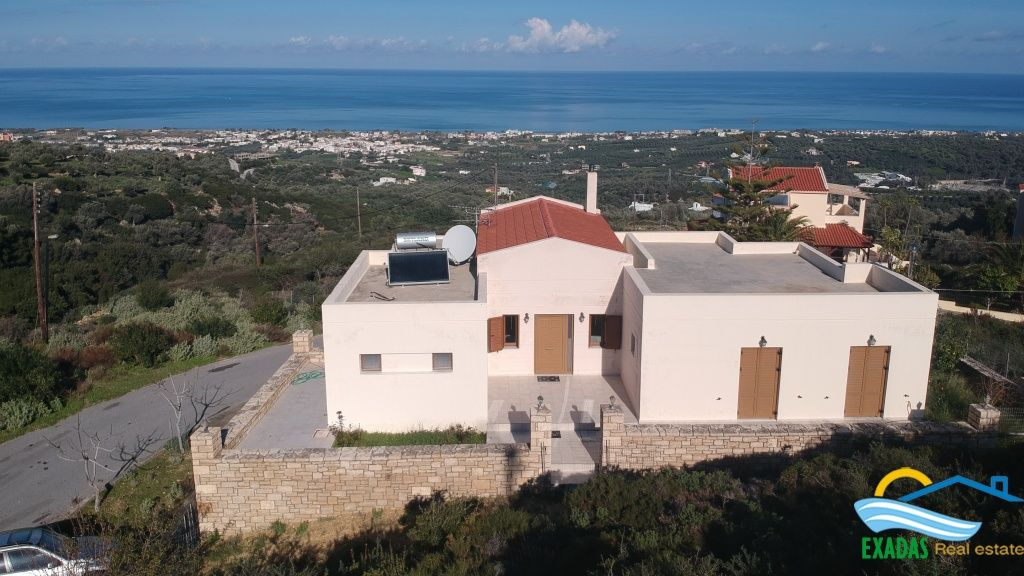 Large villa of 145 sq.m built on plot of 500 sq.m for sale, located in amazing view area.