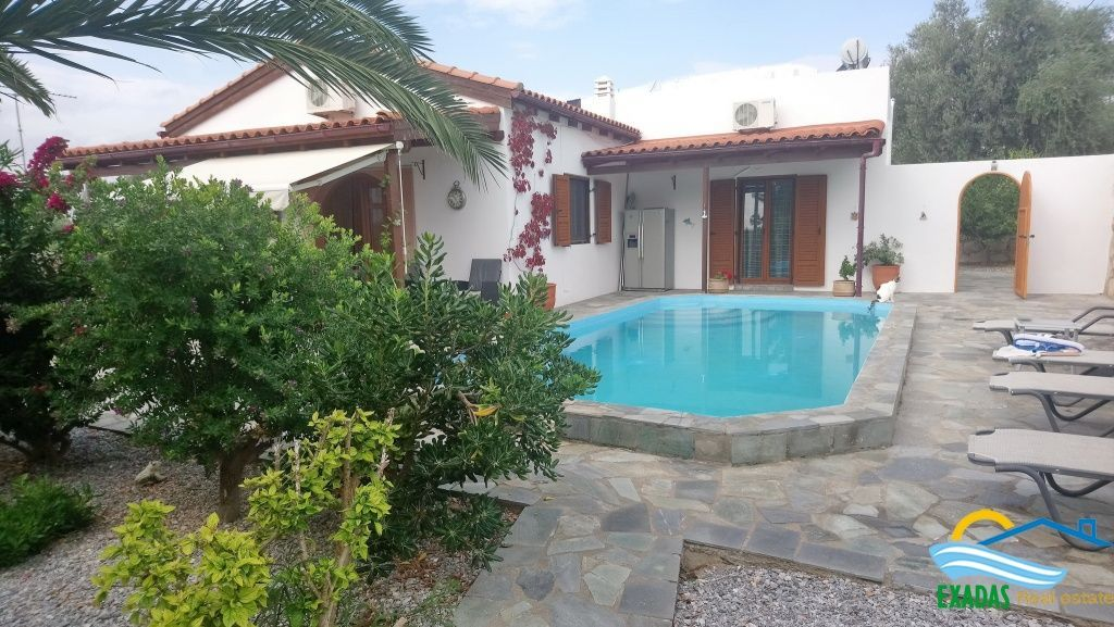 A really exceptional villa offering 3 brs, pool, garden and great view located in Roumeli!