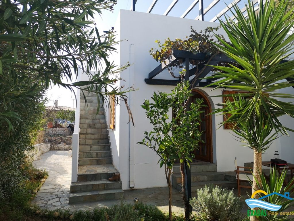 Pretty Small House Of 1 Bedroom Located In Roumeli Offering Nice