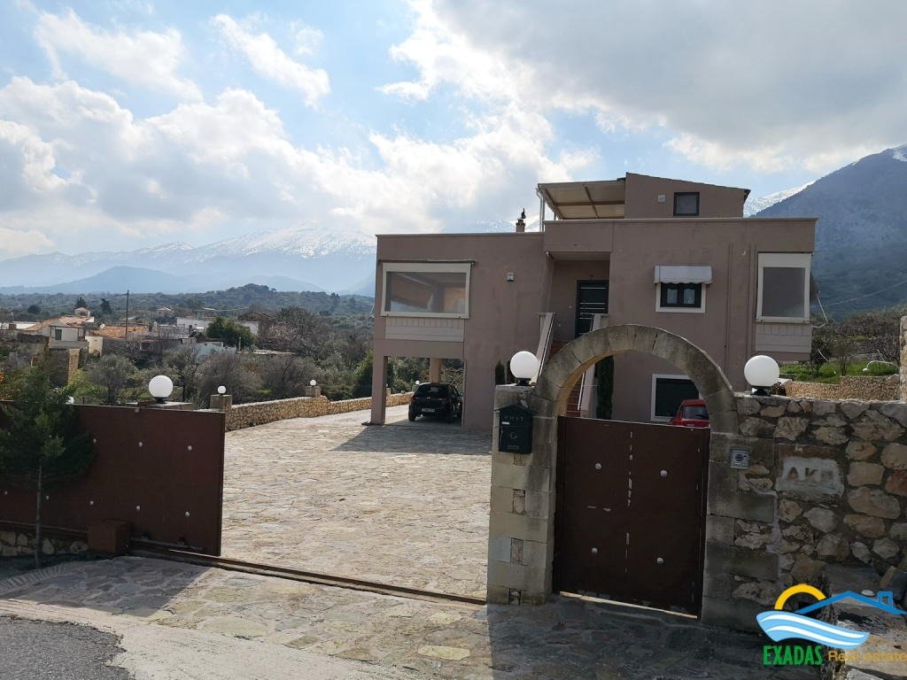Well build and luxury large house in Apokoronas Chania for sale