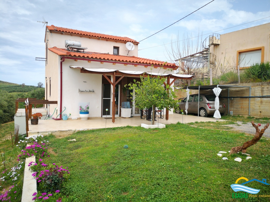 Nice 2 brs detached house, 4 years old for sale, 20 kms from Rethymnon, 2 kms from the beach