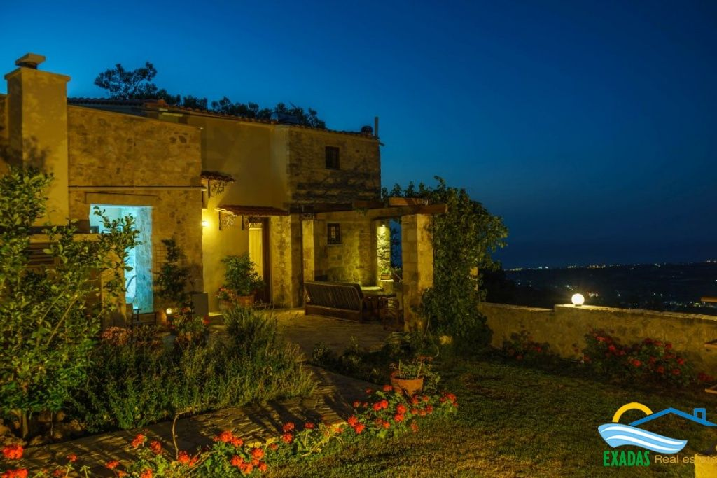 Very special traditional villa for sale at the picturesque village of Maroulas