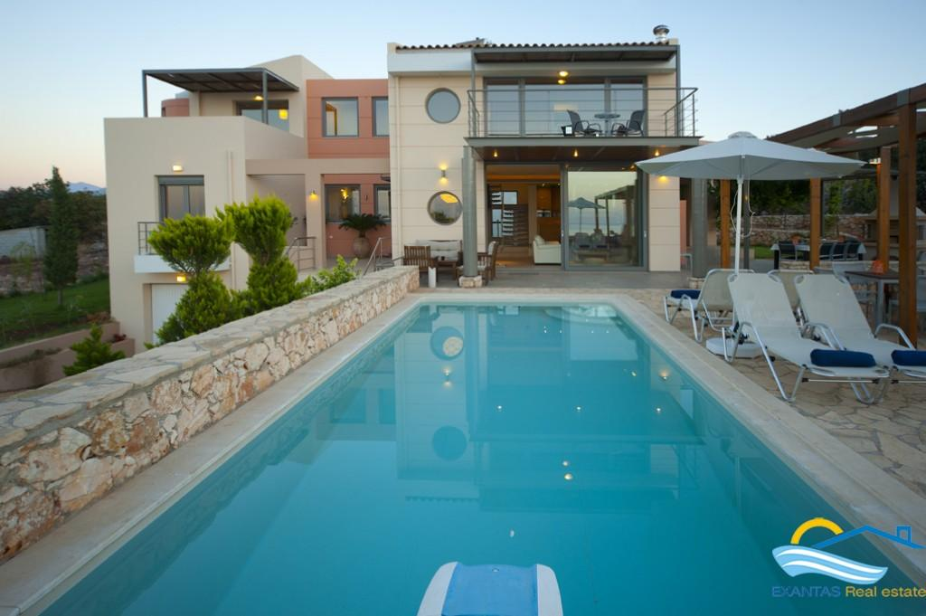 Large Luxury villa very close to Rethymnon city and beach!