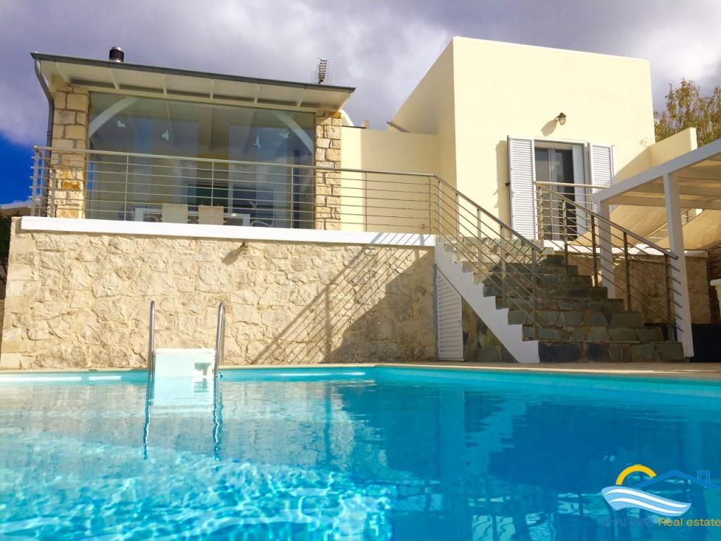Villa 105sq.m with s/p, great Sea view, and special features for sale!