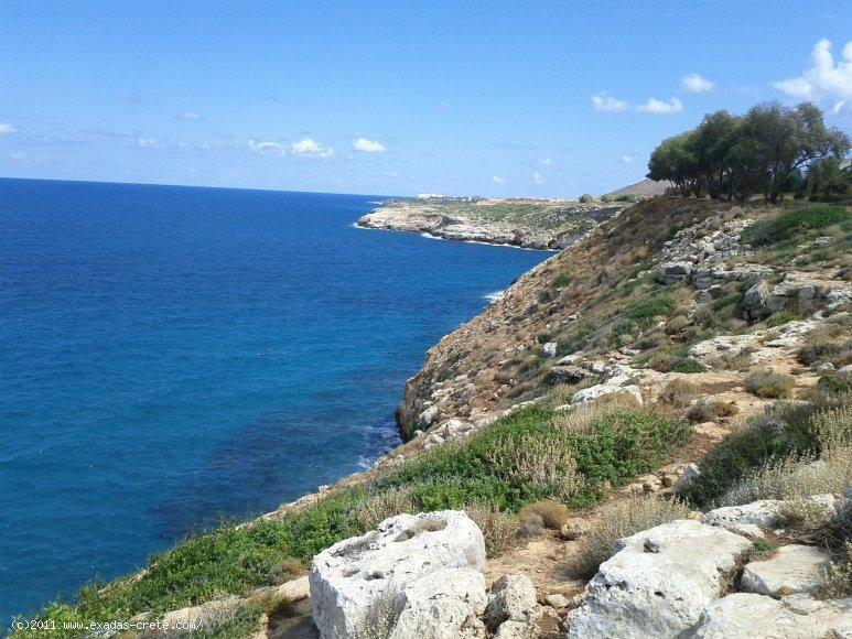 Next to the beach plot of land of 5200 sq.m, 10 km from Rethymnon city