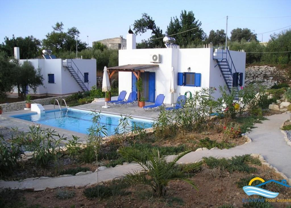 Small Villa With Nice Views And Pool Located In