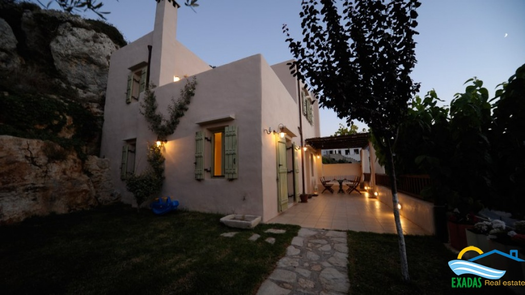 Luxury villa with special features and view for sale only 7 kms from the city of Rethymnon