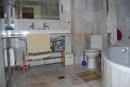 ea_14bathroom1ajpg_133318150010