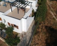 Pretty small house of 1 bedroom located in Roumeli offering nice Sea views from the roof terrace.