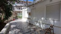 Seaside detached house of 100 sq.m on plot of 240 sq.m within Rethymnon city.