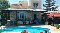 4 brs villa for sale, only 8 kms from Rethymnon and 800 mrs from the beach.