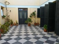 Partially finished complex with licence of 350 sq.m on plot of 1.050 sq.m in Rethymnon city