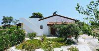 For sale: villa of 3 bedrooms with plot of 900 sq.m, s/p and great Sea views!