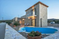 Recently built stone villa of 2 brs, garden and pool near the city and beach!